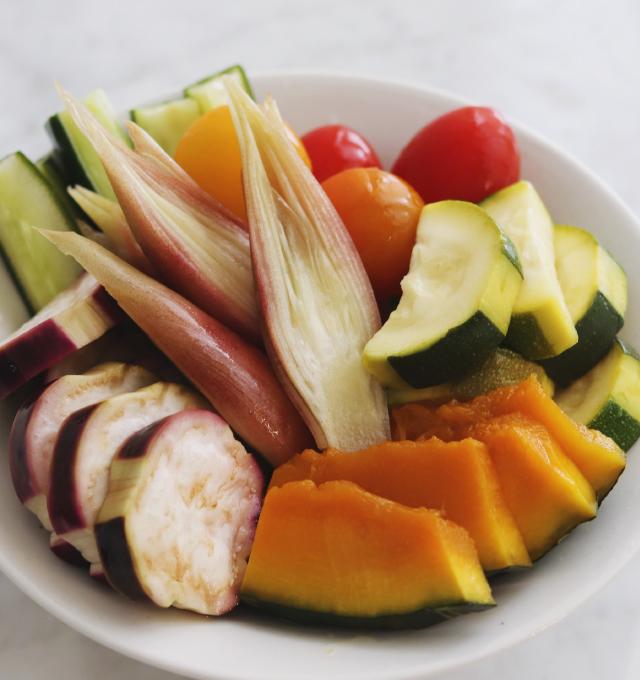 夏野菜の彩りピクルス(調理時間20分 難易度★☆☆)