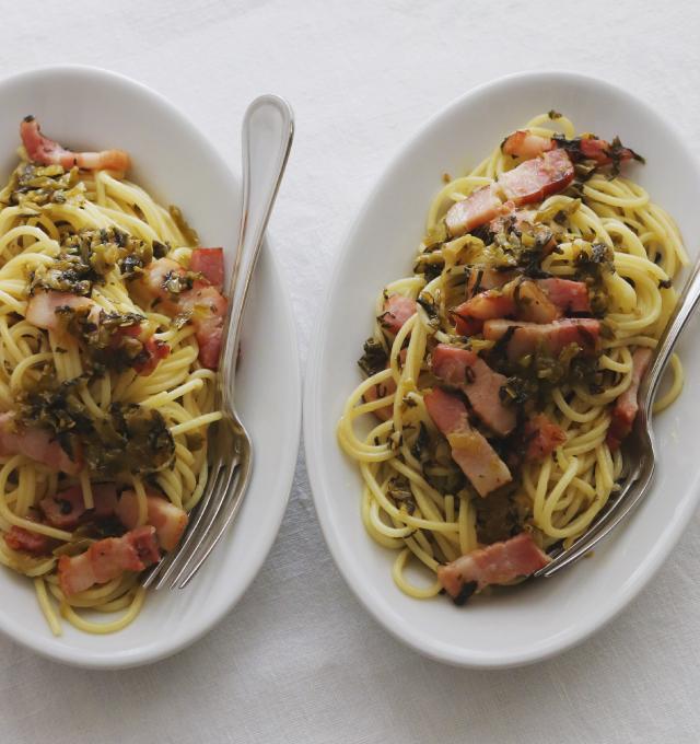 高菜ベーコンのスパゲッティ